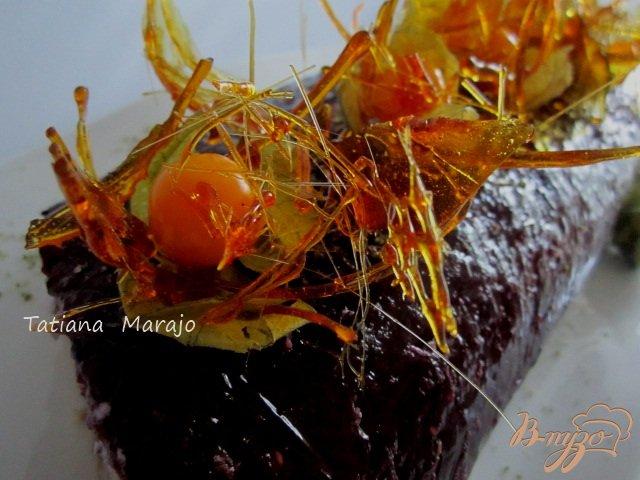 Фото приготовление рецепта: Черничный рулет шаг №15