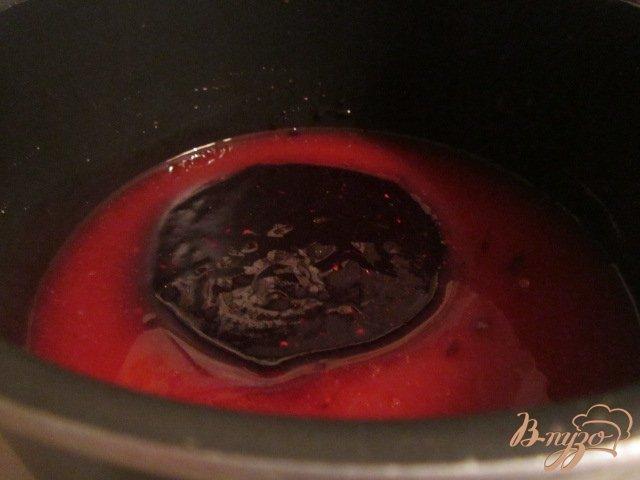 Фото приготовление рецепта: Черничный рулет шаг №11