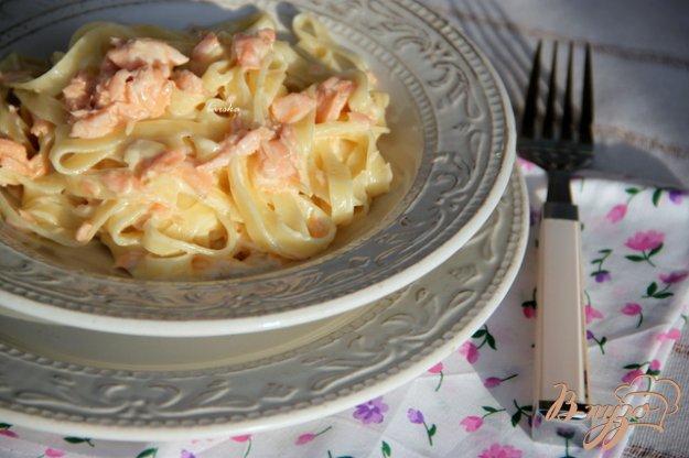 фото рецепта: Паста с копчёным лососем в сливочном соусе