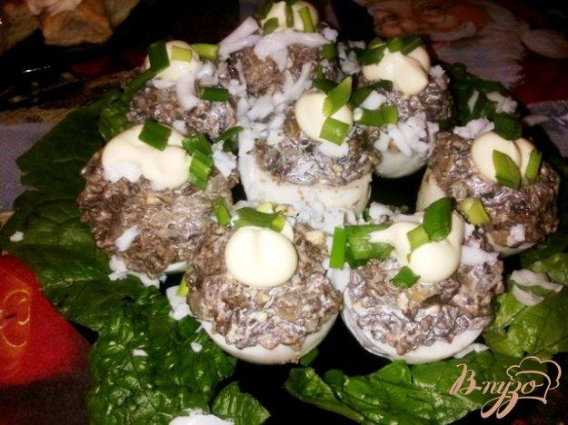 фото рецепта: Фаршированные грибами яйца