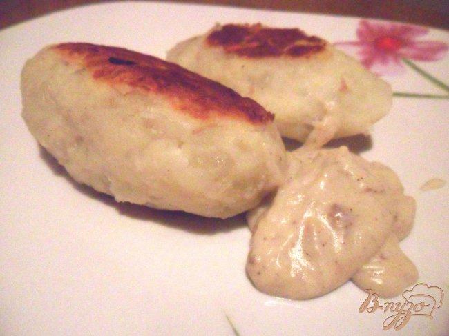 Фото приготовление рецепта: Картофельные зразы с куриным мясом шаг №6