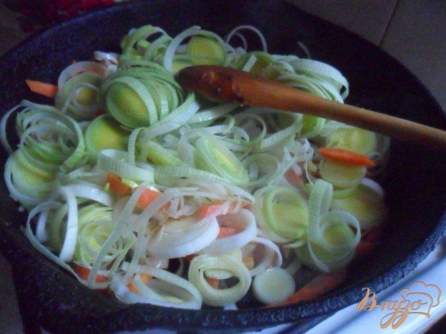 Фото приготовление рецепта: Сырный суп с креветками