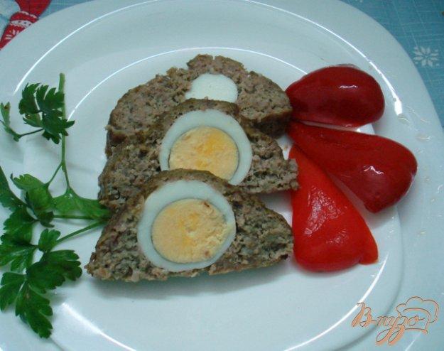 фото рецепта: Рулет мясной с яйцами