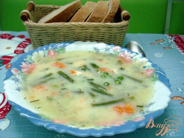 фото рецепта: Суп с горошком, фасолью и сыром