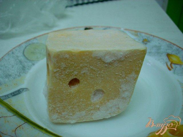 Фото приготовление рецепта: Суп с горошком, фасолью и сыром шаг №5