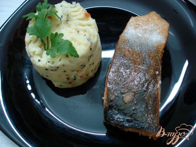 Фото приготовление рецепта: Картофельное пюре с икрой шаг №3