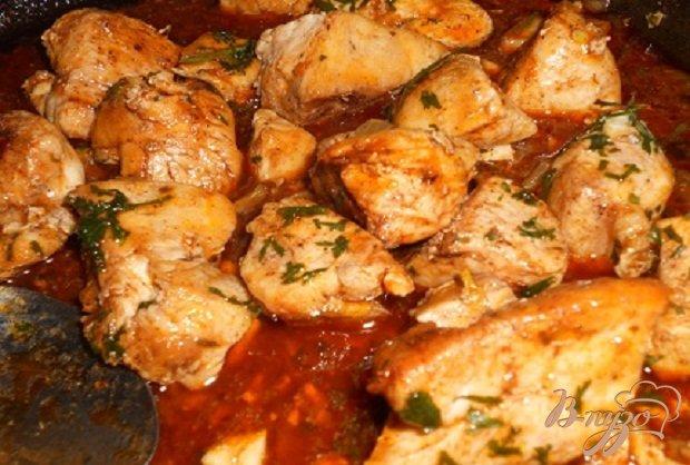 Фото приготовление рецепта: Сочная куриная грудка шаг №7