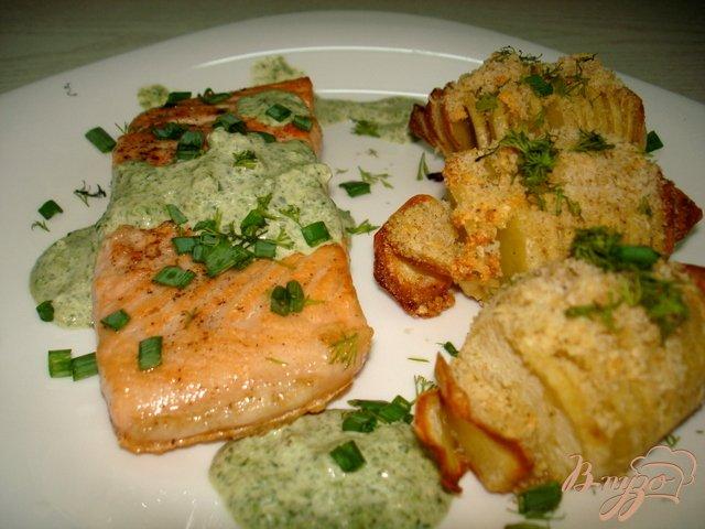 Фото приготовление рецепта: Лосось под сливочно шпинатным соусом шаг №6