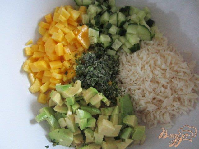 Фото приготовление рецепта: Рисовый салат