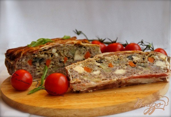Фото приготовление рецепта: Террин мясной в беконе шаг №8