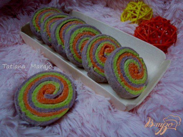 """Рецепт Миндальное печенье """"Цветные улитки"""""""