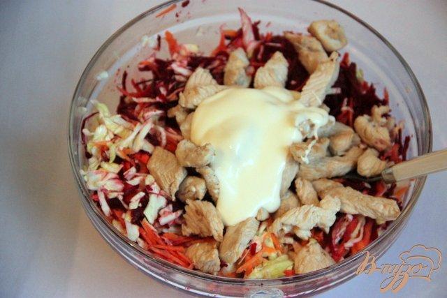 Фото приготовление рецепта: Сыроедческий салат с мясом птицы шаг №7