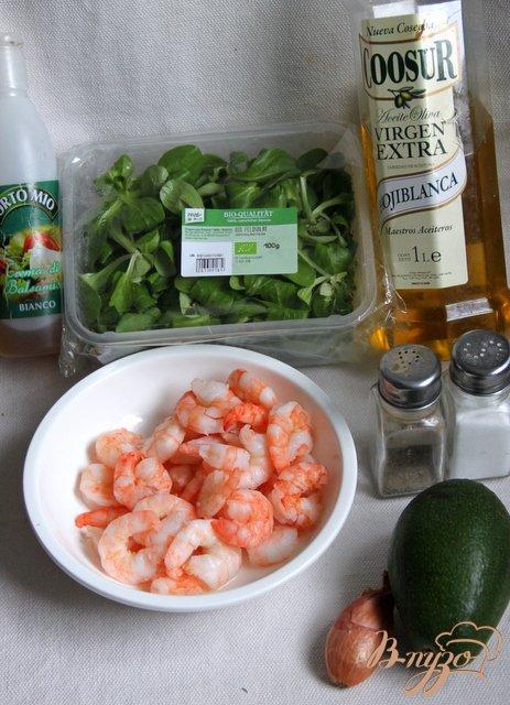 Cалат корн с авокадо и креветками
