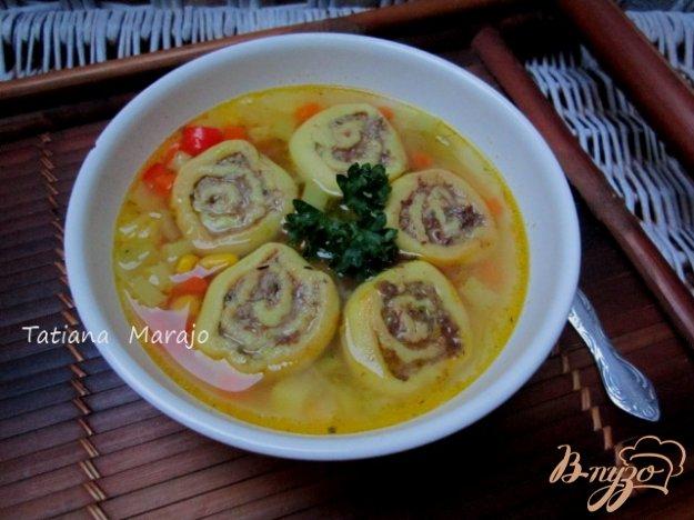 фото рецепта: Овощной суп с кукурузными улитками..
