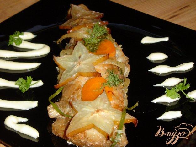 Рецепт Рыба , запеченная под соевым соусом с карамболой