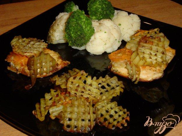 фото рецепта: Куриная грудка запеченная , с овощным гарниром