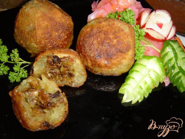 Фото приготовление рецепта: Колдуны с грибами шаг №9