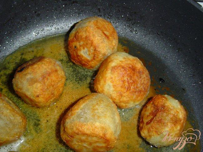Фото приготовление рецепта: Колдуны с грибами шаг №7