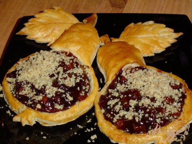 Рецепт Карамелизированные груши в слойках