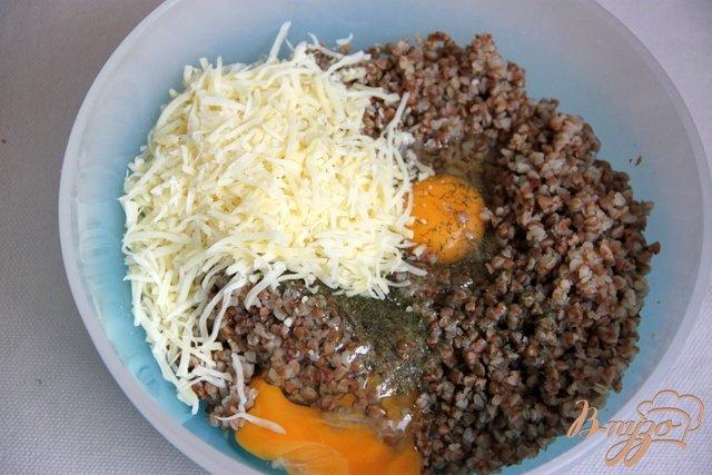 Фото приготовление рецепта: Запеканка из гречки шаг №3