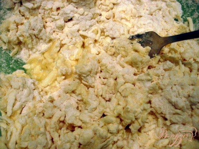 Фото приготовление рецепта: Слоёное тесто быстрого приготовления (универсальное) шаг №6