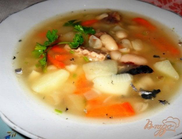 фото рецепта: Суп из белой фасоли с рыбными консервами