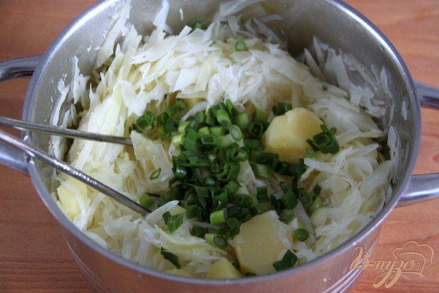 Фото приготовление рецепта: Ирландское картофельное пюре Colcannon шаг №3