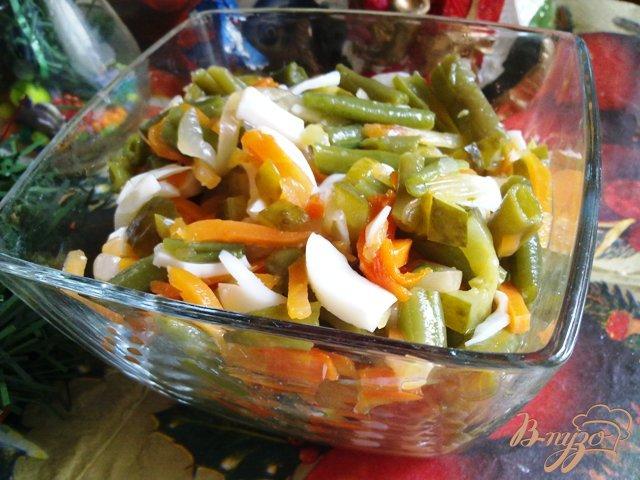 Фото приготовление рецепта: Салат из спаржевой фасоли. шаг №7