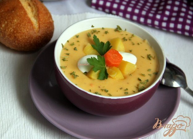 фото рецепта: Бархатный крем-суп из картофеля и сельдерея с сыром