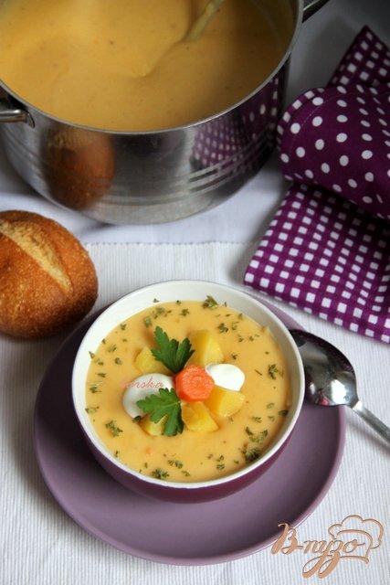 Бархатный крем-суп из картофеля и сельдерея с сыром