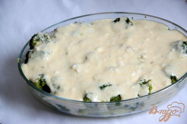Фото приготовление рецепта: Запеканка из картофеля и брокколи с тунцом шаг №9
