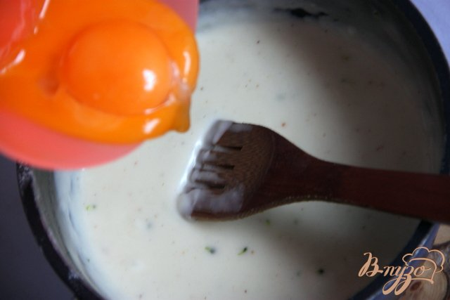 Фото приготовление рецепта: Запеканка из картофеля и брокколи с тунцом шаг №5