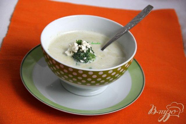 Фото приготовление рецепта: Брокколи крем-суп с творожной горгонзолой шаг №9
