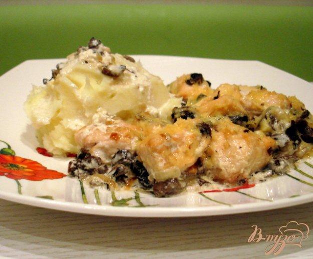 фото рецепта: Лосось в сливочном соусе с грибами