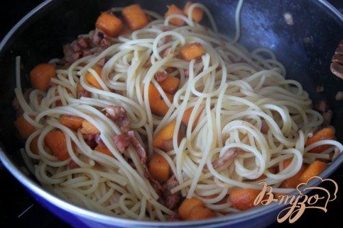 Спагетти карбонара с тыквой