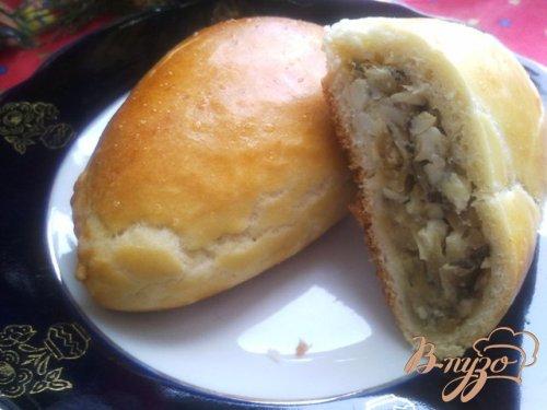 Пирожки с карамелизованным луком и яйцом