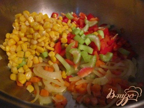 Овощной суп с кукурузными улитками..