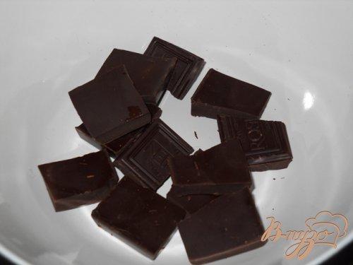 Шоколадные блины с ягодным соусом