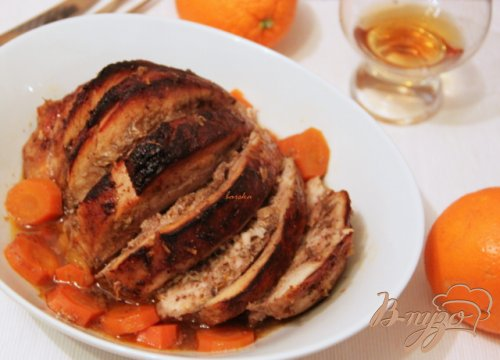 Запечённая свинина  с соусом