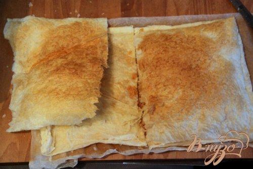 Греческий пирог с брынзой и перцем чили