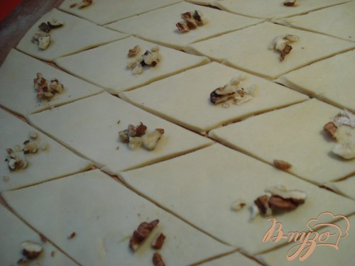 Пальчики с прессованным повидлом и орехами