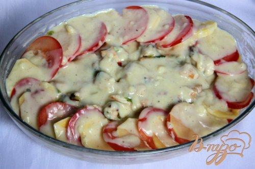 Гратин из картофеля с куриным рагу под миндальной корочкой