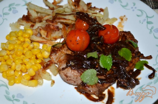 Фото приготовление рецепта: Свинина с черри томатами шаг №3
