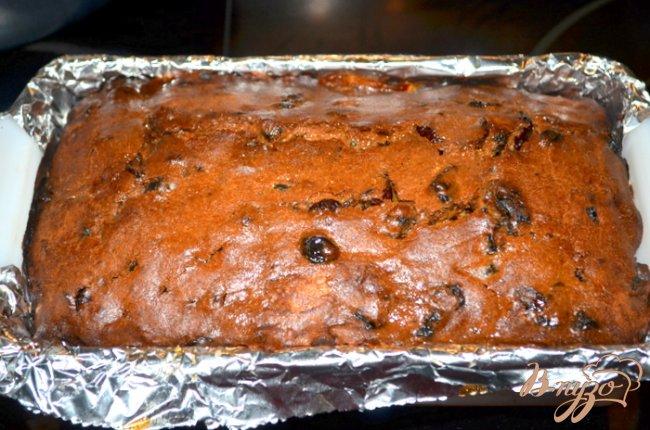 Фото приготовление рецепта: Фруктовый кекс на стауте шаг №4