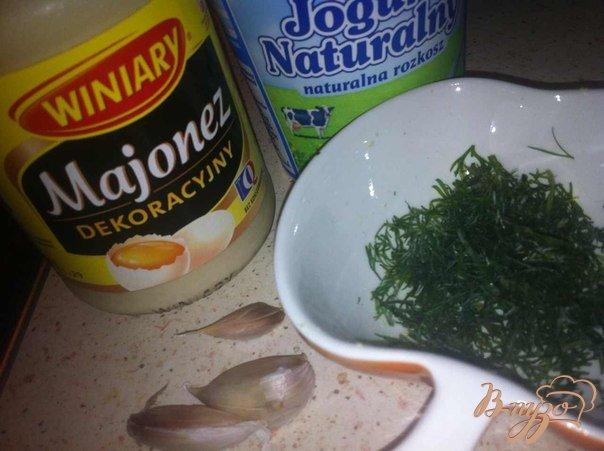 Фото приготовление рецепта: Соус чесночный к шашлычкам из птицы. шаг №1