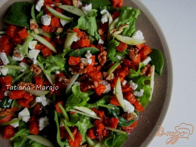 фото рецепта: Салат с печеной тыквой