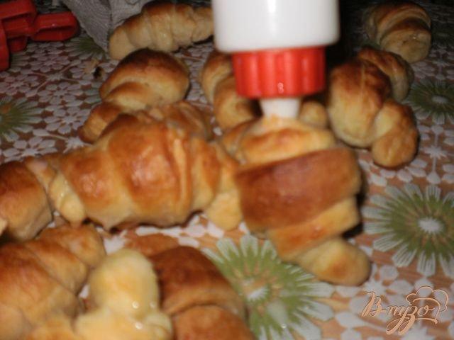 Фото приготовление рецепта: Мини-круассаны шаг №12