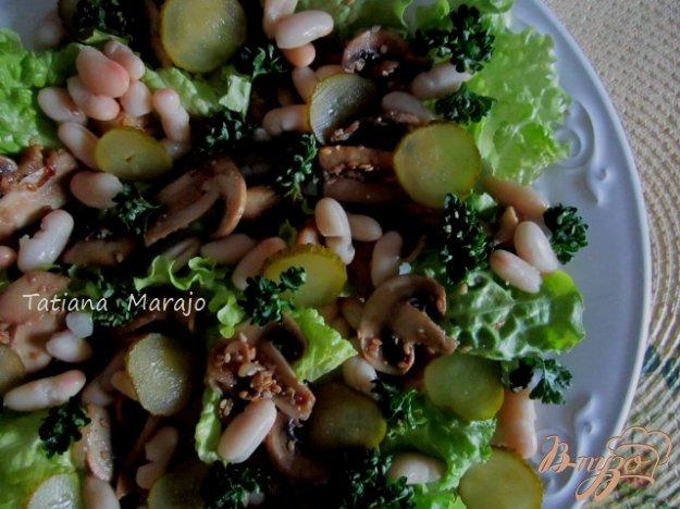 Рецепт Салат с жаренными грибами и белой фасолью