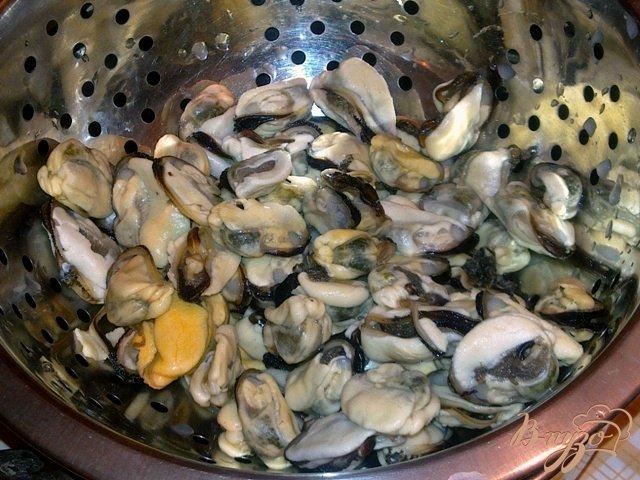 Фото приготовление рецепта: Сливочный рыбный суп с мидиями шаг №5
