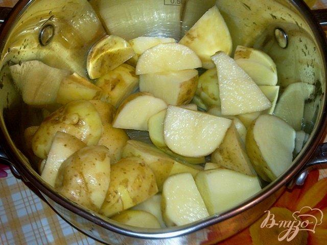Фото приготовление рецепта: Сливочный рыбный суп с мидиями шаг №2